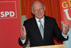 Franz Mageth bei seiner Rede