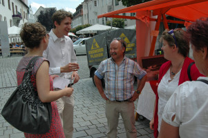 Ein Glas Cidre auf die Städtepartnerschaften