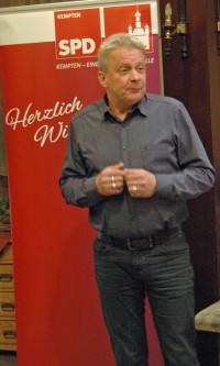 Bezirkstagskandidat Dr. Armin Ruf