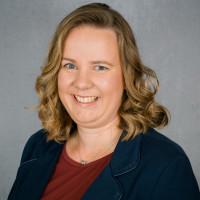 Portraitfoto Katharina Schrader von vorne